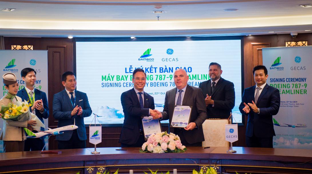 Hình ảnh: Bamboo Airways chính thức nhận bàn giao hai máy bay Boeing 787-9 Dreamliner số 1